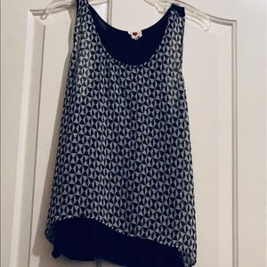 Black and whit tank top